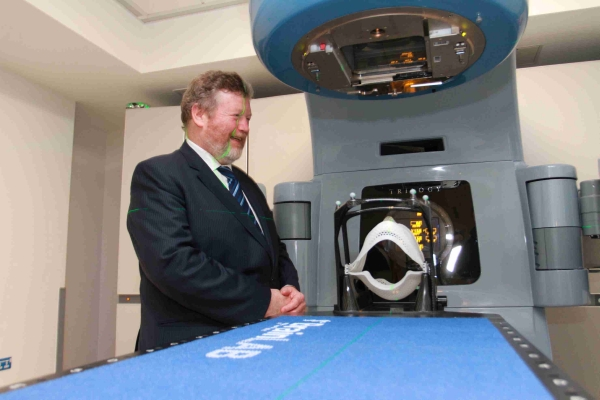 Minister James Reilly TD at Stereotatic Unit Thumbnail0